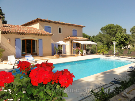 Detached villa in Callian