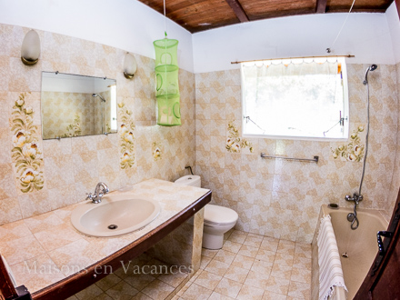 A bath room of the holiday rental Villa at Sainte-Anne ,Guadeloupe