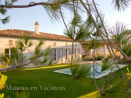Villa in golf resort in Pont Royal