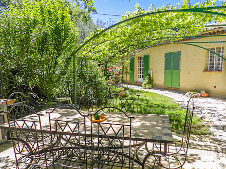 Detached villa in Draguignan